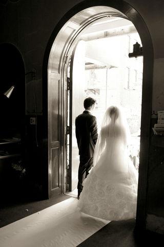 Hjælp jeg skal giftes og tør ikke gå op af kirkegulvet!!