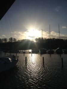 Sol over Brejning havn