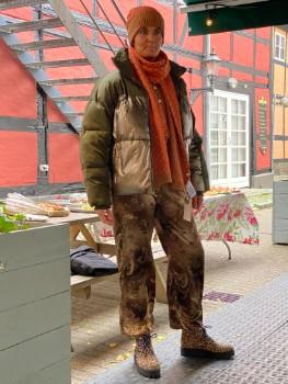 Efterårsmode 2020 dunjakke & cardigan i tobacco brown